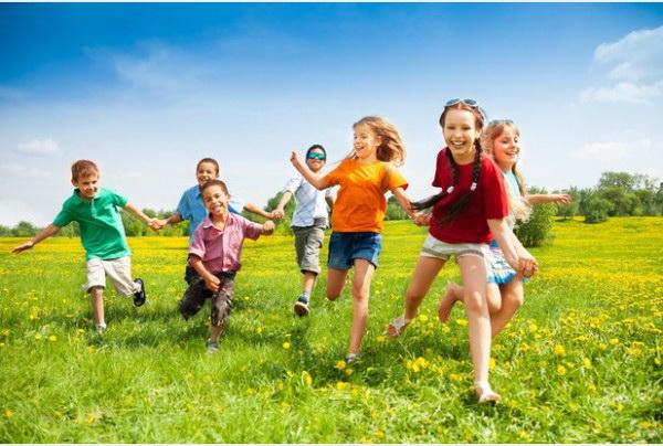 Занятия на свежем воздухе улучшают показатели маленьких детей