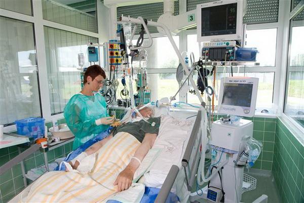 Минздрав утвердил правила посещения пациентов в реанимации