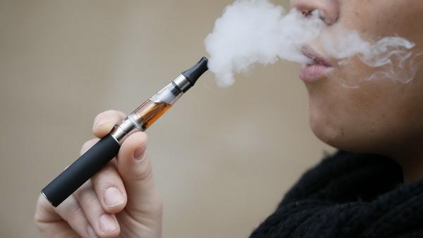 Электронные сигареты ухудшают болезни сердца и легких