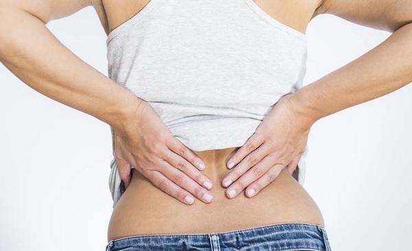 Убирать боль в позвоночнике следует только после выявления причины