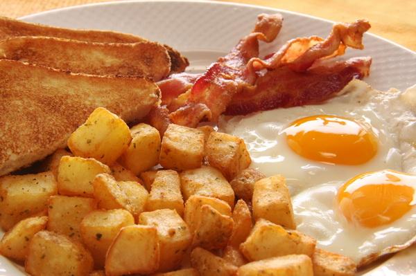 Кардиологи узнали, когда лучше потреблять жирные продукты